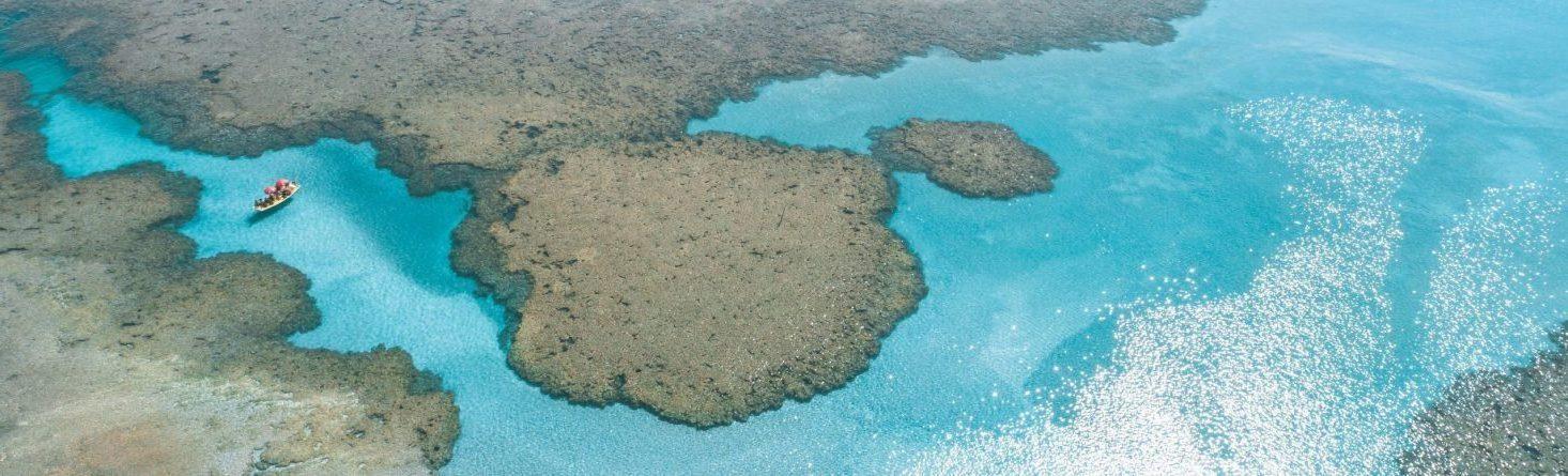 foto aérea das piscinas naturais de são miguel dos milagres
