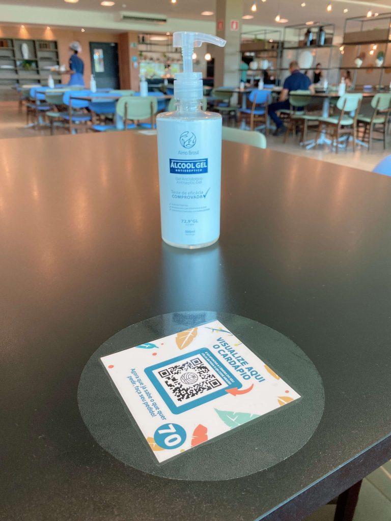Álcool gel na reabertura do Japaratinga Lounge Resort